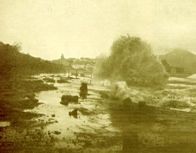 La banchina di via Caracciolo distrutta