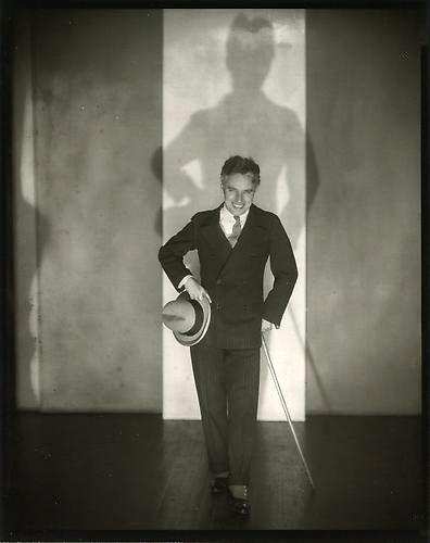 Chaplin nel 1928, foto Edward Steichen