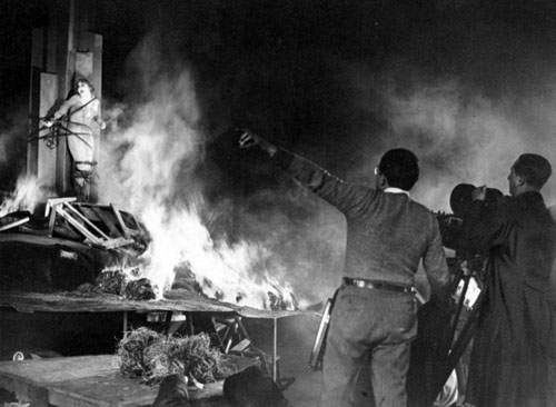 Fritz Lang al lavoro sul set di Metropolis