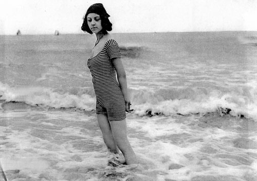 Première apparition de Musidora sur la plage du Tréport (Musidora la dixième muse, 2013)