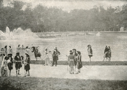 """""""In una bella giornata d'autunno, Luigi XV e la sua corte passeggiano nel parco di Versailles"""""""