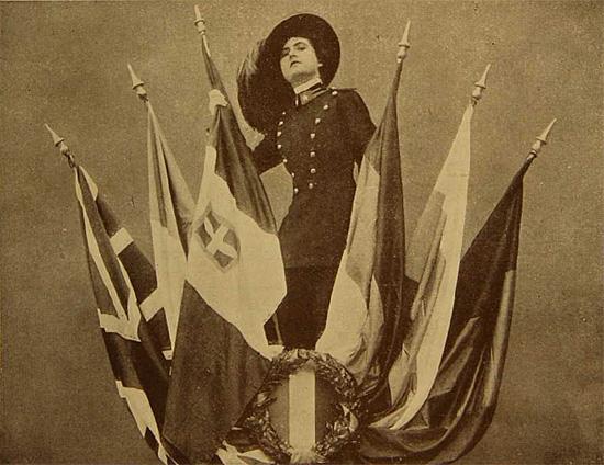 "Francesca Bertini in ""Viva l'Italia"", arrivederci della Caesar Film 1915."