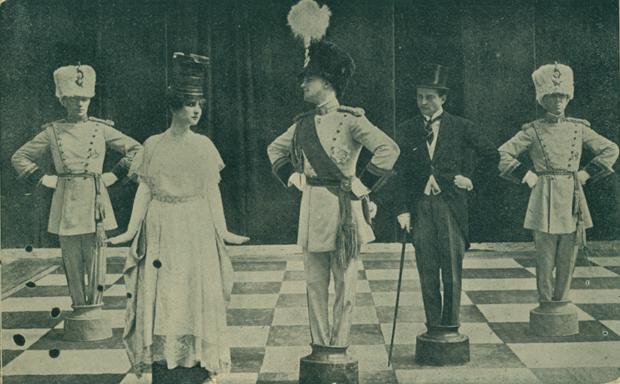 La scacchiera nel film Il re, le torri e gli alfieri (1916)